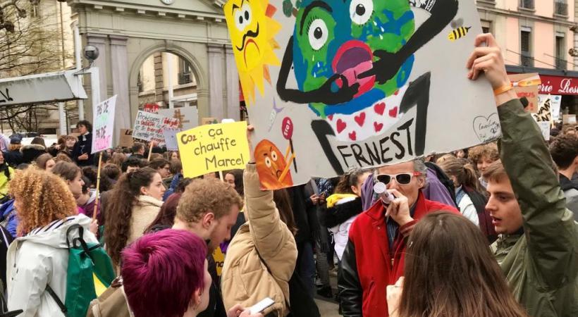 Les jeunes ont manifesté à Genève, le 15 mars dernier, pour le climat. FRANCIS HALLER