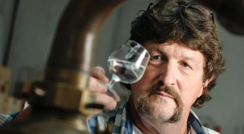 René Wanner a été nommé meilleur distillateur de Suisse 2019. ABSINTISSIMO.CH