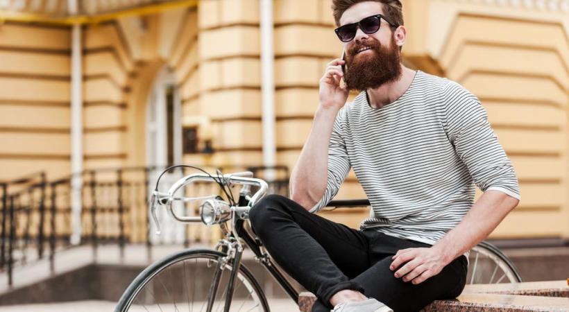 Le bobo prône le règne du vélocipède. 123RF/GSTOCKSTUDIO