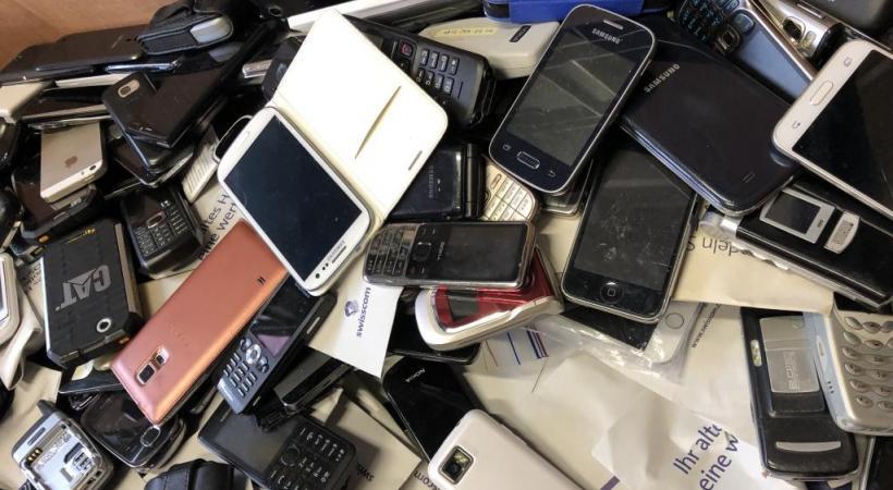 A Réalise, les smartphones usagés sont triés, puis réparés ou recyclés. DR