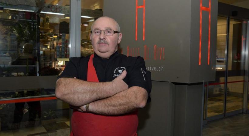 Eric Richard, gérant d'une boucherie à la halle de Rive.