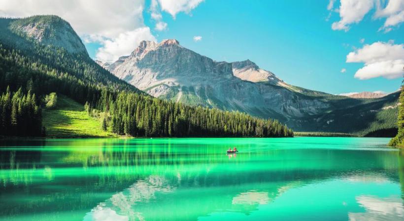 Le lac Emerald, dans le Yukon, symbole de la sérénité de ce territoire canadien. 123RF/ KONSTANTIN SHABALIN