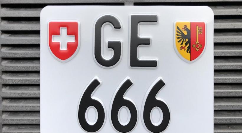 La plaque GE 666 devrait intéresser des propriétaires de Harley-Davidson. PHOTOMONTAGE 123RF/DR
