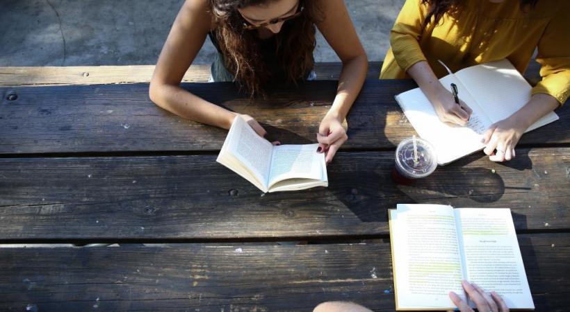 Seuls 3% des étudiants alémaniques viennent étudier en Suisse romande. UNSPLASH