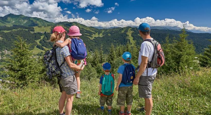 Des itinéraires adaptés pour les randonnées en famille. Gio Flemming Photography