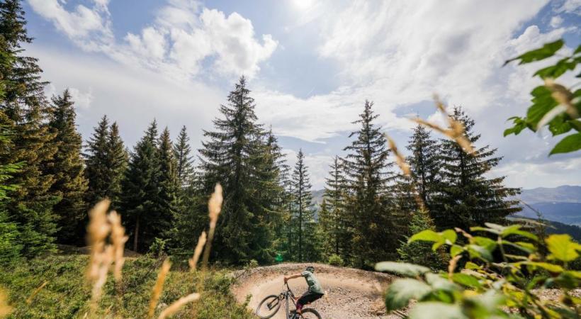 Le Bikepark des Gets, dévolu aux experts comme aux débutants, un spot reconnu à l'international. Keno Photographie