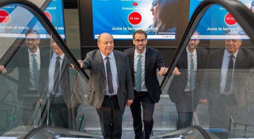 Christian Dupessey et Antonio Hodgers dans la gare des Eaux-Vives du Léman Express,  symbole du Grand Genève. STéPHANE CHOLLET