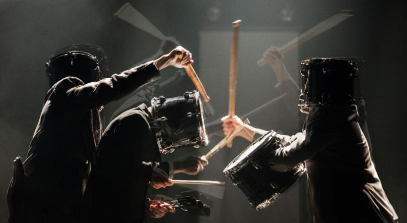 Les Frères Colle manient avec dextérité les percussions. DR